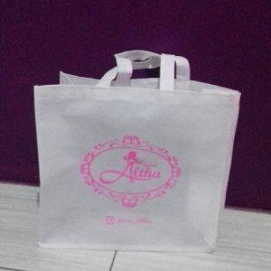 Manfaat dari mengunakan Tas Kain Spunbond tas spunbond tas berkat putih