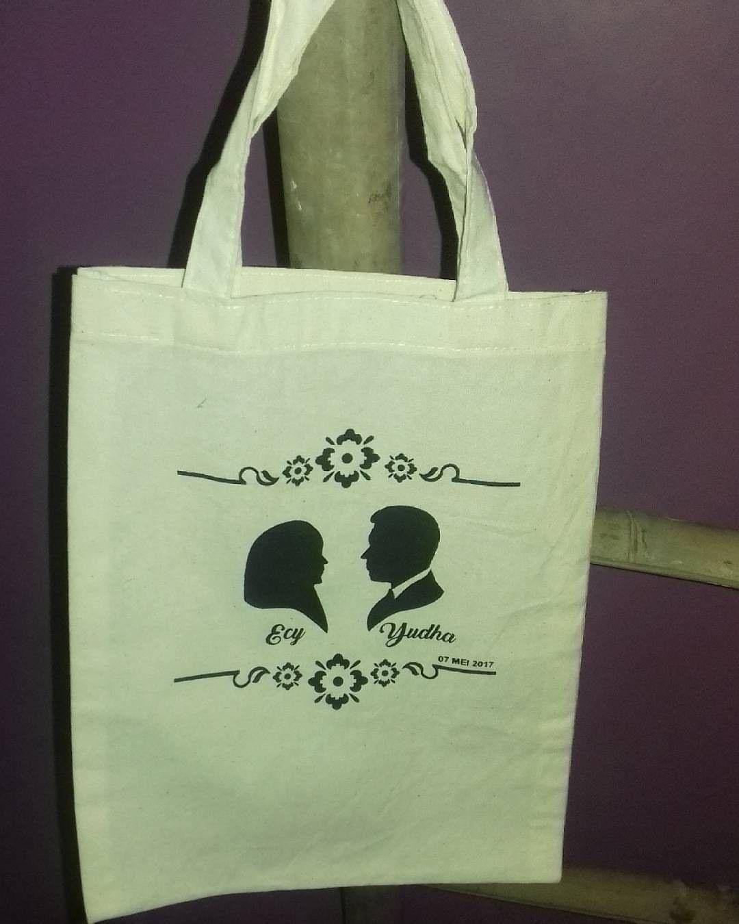 harga tas spunbond undangan pernikahan souvenir pernikahan, tas spunbond, tas souvenir pernikahan